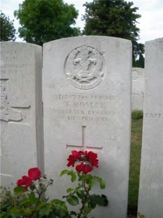 Pt Tom Mosley's grave